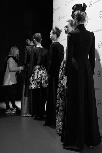 legend-esther-noriega-backstage-mercedes-benz-fashion-week-madrid 10